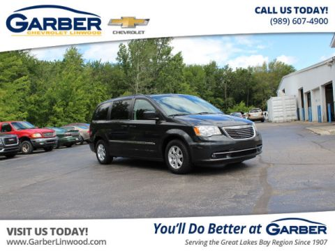 Pre-Owned 2011 Chrysler Town & Country TOUR